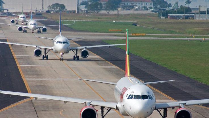 """""""Aeroporto Internacional do Galeão"""". Rio de Janeiro, Brasil."""