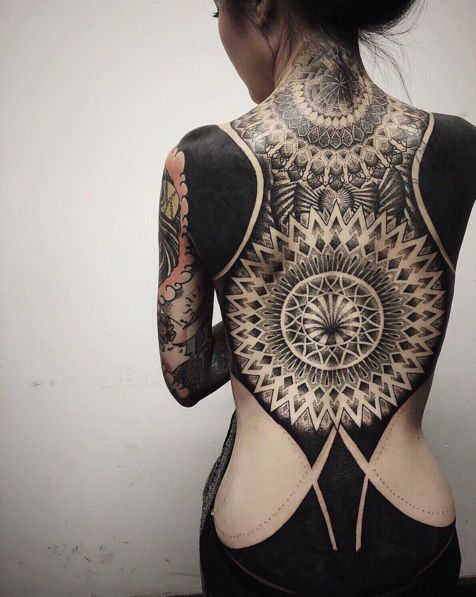 15 Breathtakingly Beautiful Pictures of Blackout Tattoos-Lovely designs that require some serious commitment.