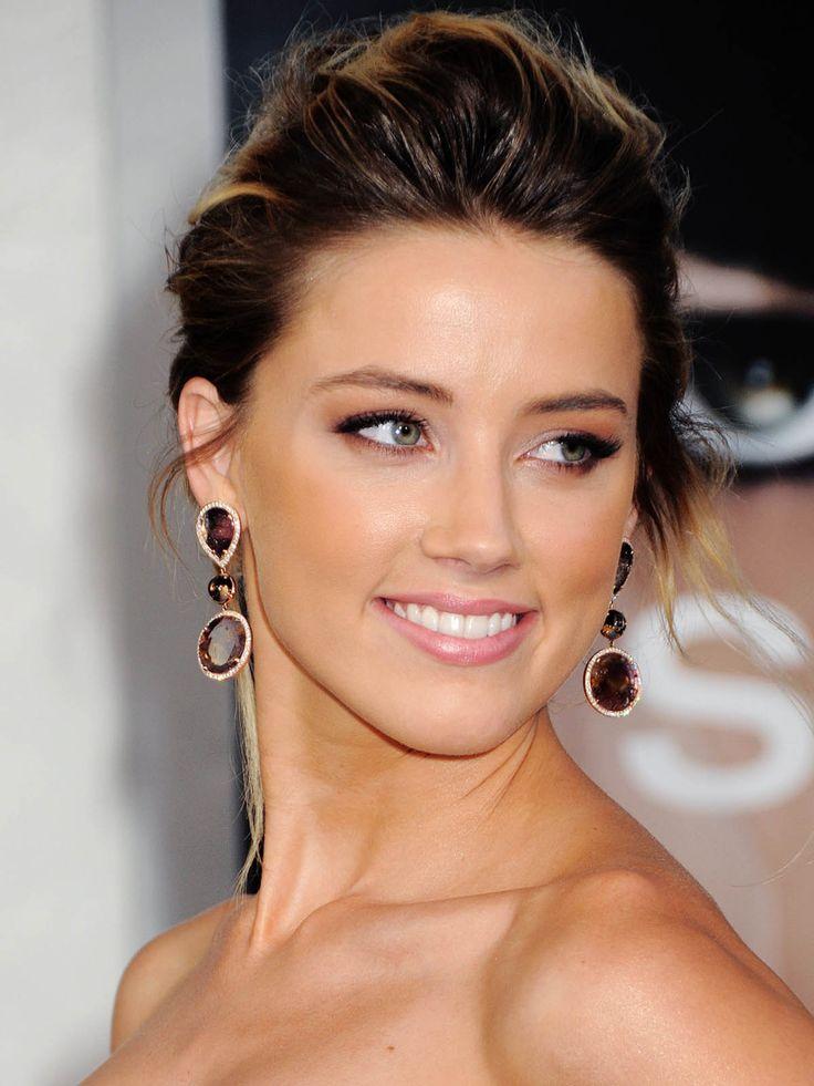 Amber Heard stunning in brunette