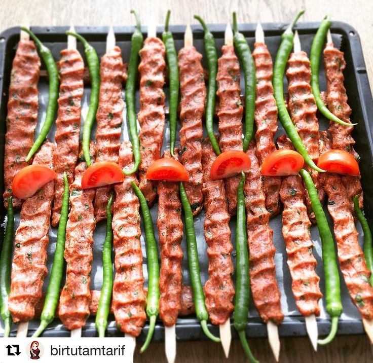 """596 Beğenme, 3 Yorum - Instagram'da Tarifsepetiniz (@tarifsepetiniz): """"#Repost @birtutamtarif with @repostapp ・・・ Mis gibi şiş köfte hem de fırında ve sağlıklı. Yemek…"""""""