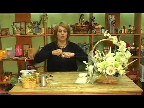 Букет из конфет в корзине - YouTube