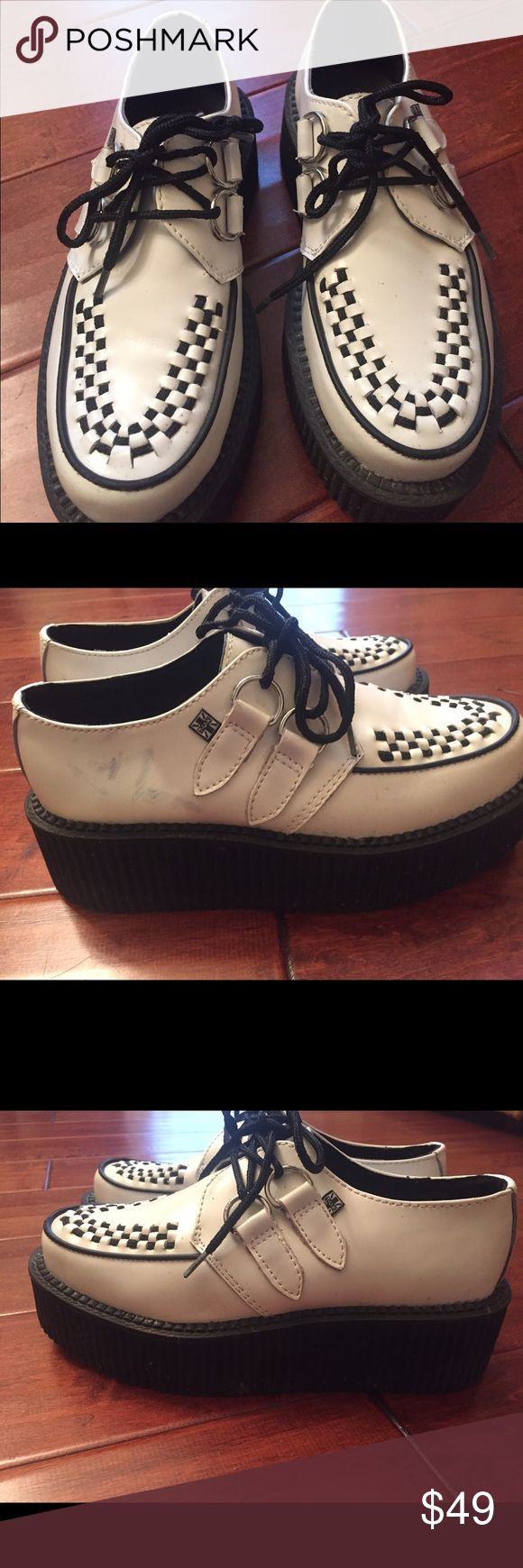 """TUK Creepers mod ska punk W 6 These Creepers, a classic mod ska punk staple since the 70's/80's. Great shape, other than a faint marking on the side of one shoe. The shoes are about 2-3"""" high. Heavy rubber sole. TUK Shoes Sneakers"""