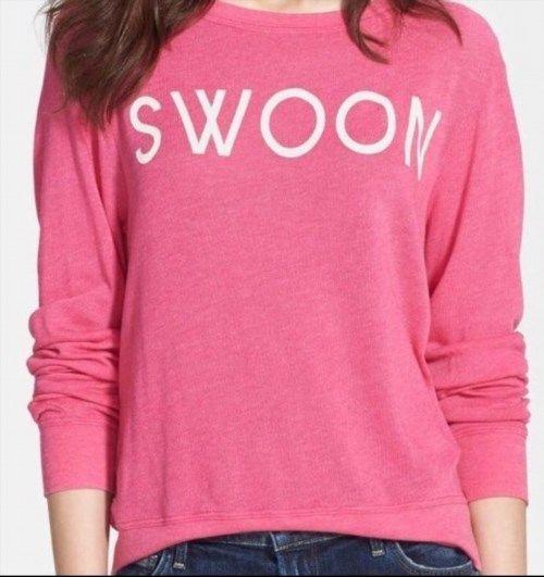 69.00$  Watch here - http://vidjd.justgood.pw/vig/item.php?t=5tev9v2431 - Wildfox Swoon Pink Baby Blanket Pullover Sweatshirt Top Cozy Summer Sz S NEW 69.00$
