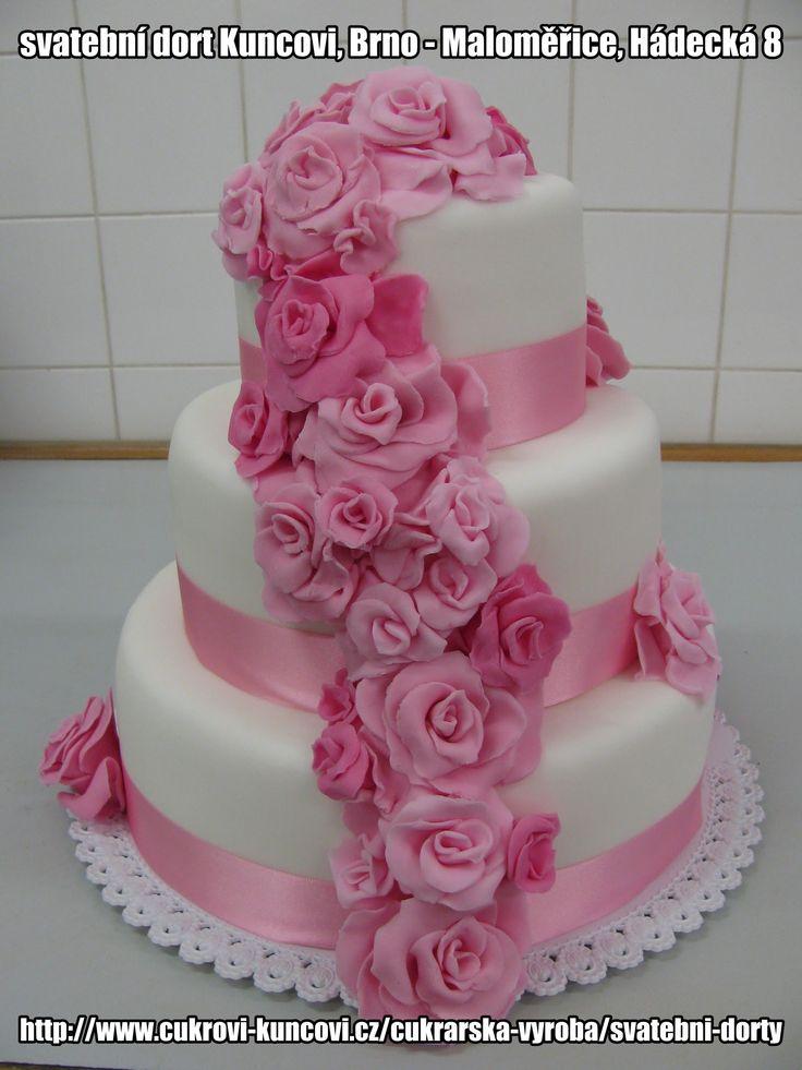 trojpatrový bílo - růžový dort se stuhou