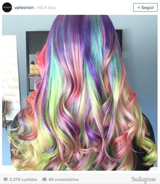Cabelo 'arco-íris' é a nova tendência entre jovens nas redes sociais   Estilo