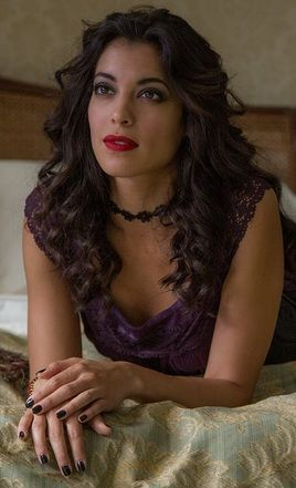 Estrella - James Bond SPECTRE  Actress:  Mexican actress Stephanie Sigman, born in 1987.
