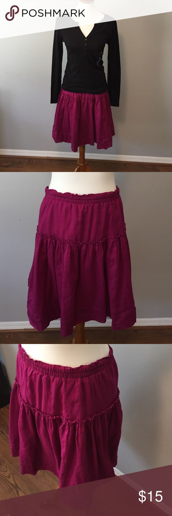 Gap skirt Flirty skirt with an elastic waist and flowy, lightweight material.  Great with a simple black or white t-shirt or sweater for a casual but cute look. GAP Skirts Midi