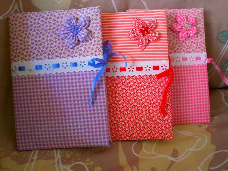 Cadernos encapados em tecido, um mimo de presente!