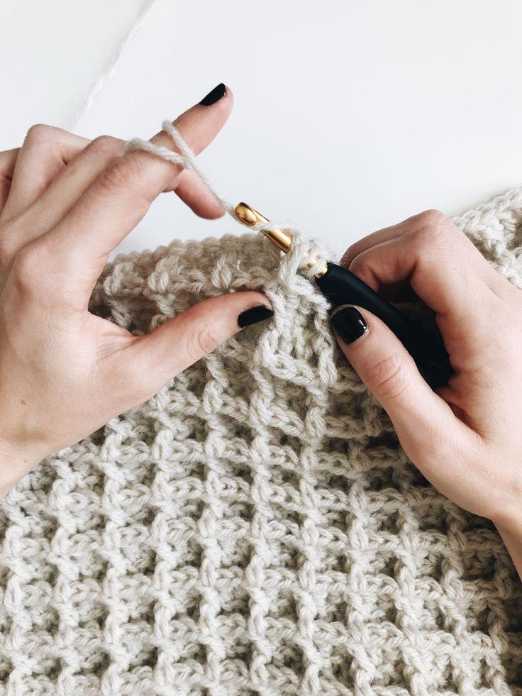 Beginner friendly crochet blanket pattern using the waffle stitch. Instant downl…