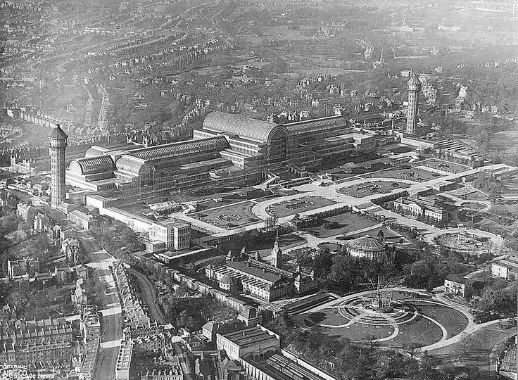 Grand: The Crystal Palace is pictured from 800ft in March 1920, 16 years before the fire destroyed the building