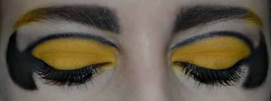 Batman Eye Shadow Makeup Tutorial
