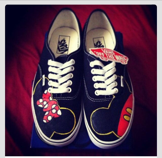 Minne and mickey mouse vans!!
