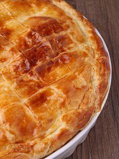 poivre, oeuf, crême fraîche, pomme de terre, confit de canard, pâte brisée, sel