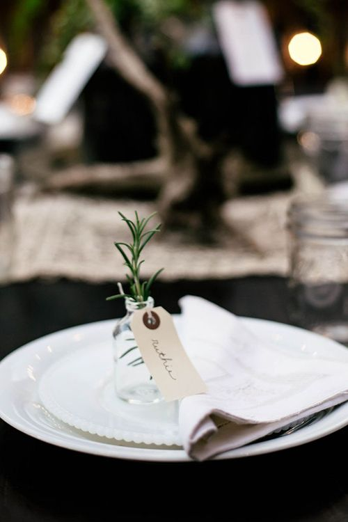6 Ways to Use Fresh Greenery as Wedding Place Cards: #3. Mini Vase with Herbs