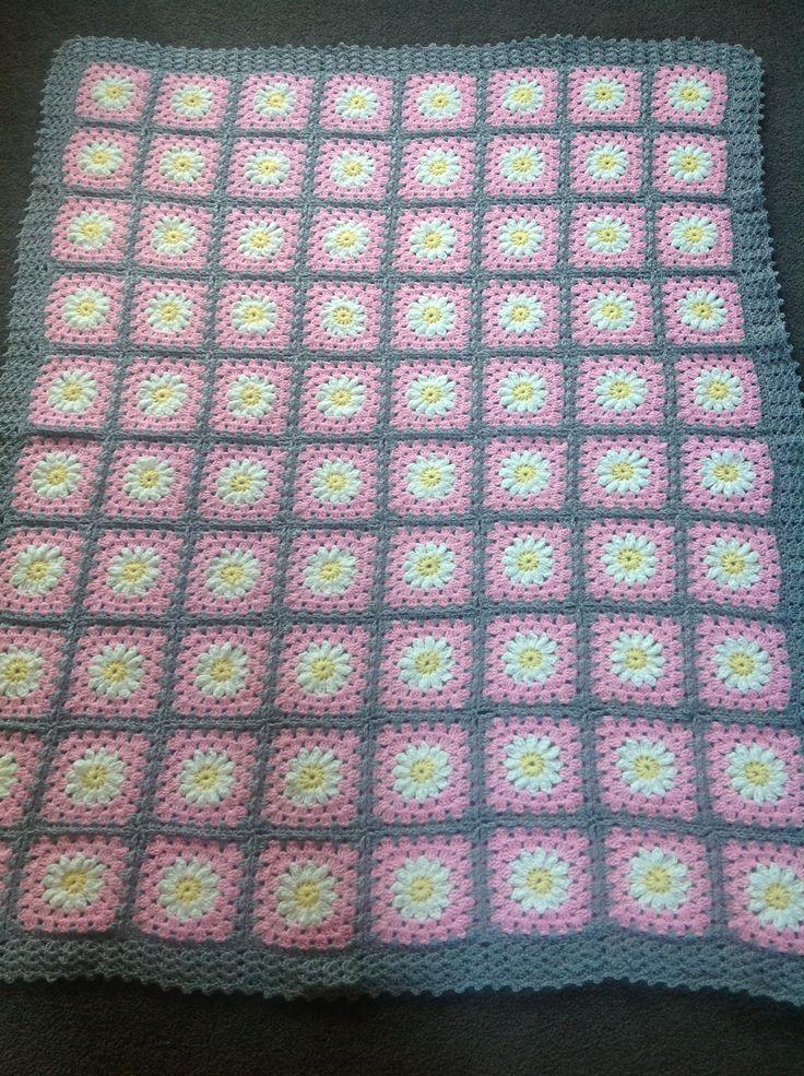 Daisy square crochet afghan