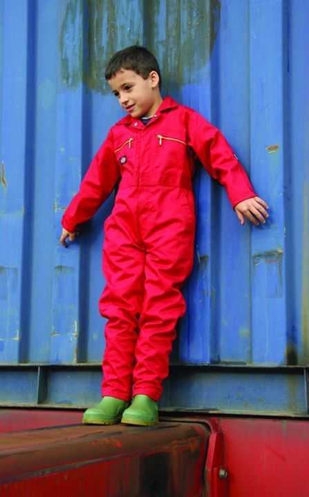 Dickies Redhawk Junior Zip Front Overall for Children - Our top selling, durable children's overall is perfect for keeping the kids' clothes clean whilst they have the fun that they deserve. Smart, lightweight and durable. http://www.dickiesstore.co.uk/dickies-workwear/dickies-and-redhawk-overalls/dickies-childrens-overalls/WD4839J