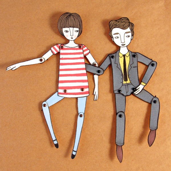 Moveable Paper Dolls... I think this idea is beautiful and old fashion : )