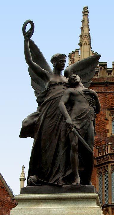 World War I memorial    Bronze    Queen's University, Belfast