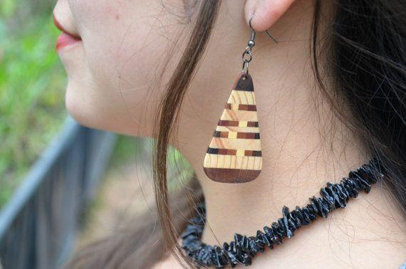 Wooden Ornamental Earrings  by Molinart por Molinart en Etsy, $30.00