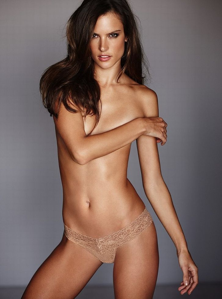 alessandra-ambrosio-sexy-nude-reality-tv-rocket-video