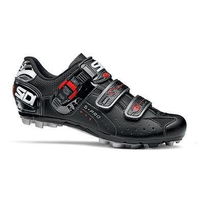 The Dominator 5 Women?s shoe features Sidi?s Competition sole matched with a women?s-specific last and narrow heel cup for a perfect fit. The breathable, supple, durable Lorica Microfiber Upper keeps feet comfortable with cooling mesh inserts. The Ultra SL buckle allows for easy on-the-bike fit adjustment while the soft instep closure system and padded tongue eliminate pressure points. Another fea ...