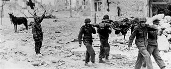2. world war, Italy theater of war - Monte Cassino (Gustav - line):short ceasefire during the battle. Injured are removed from the battlefield at Cassino (village).march/april 1944 - pin by Paolo Marzioli