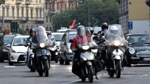 Lombardia: #Milano  nella #classifica dei veleni maglia nera ai vecchi scooter: il Comune prepara le... (link: http://ift.tt/2edcC3w )