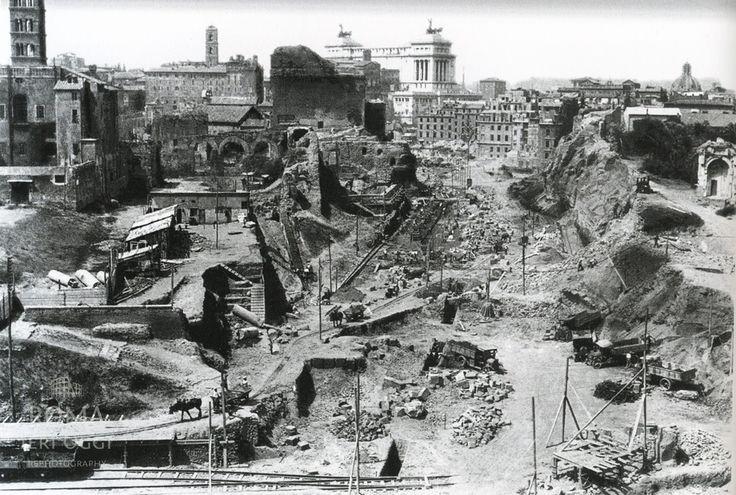 Via dei Fori Imperiali (1932) | Roma Ieri Oggi