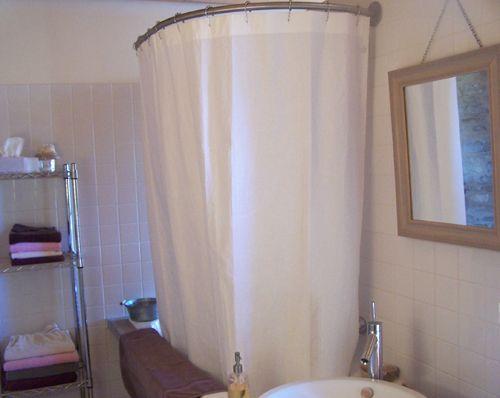 Les 25 meilleures id es de la cat gorie barre rideau de for Barre rideau douche