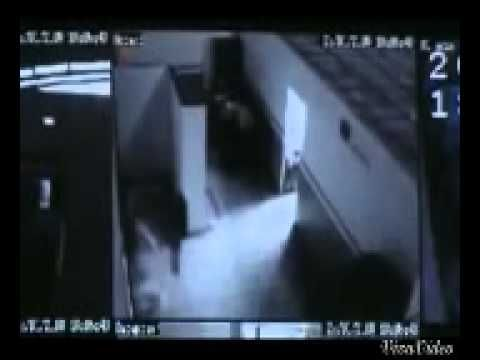 "▶ INCREDIBLE VIDEO OF A REPTILIAN ALIEN ""TAKING OFF ""HIS HOLOGRAM BODY THAN GO ..!!!! - YouTube 1:35"