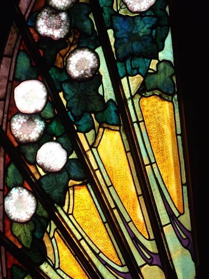 Détail vitrail de Jacques Gruber à la Villa Bergeret à Nancy