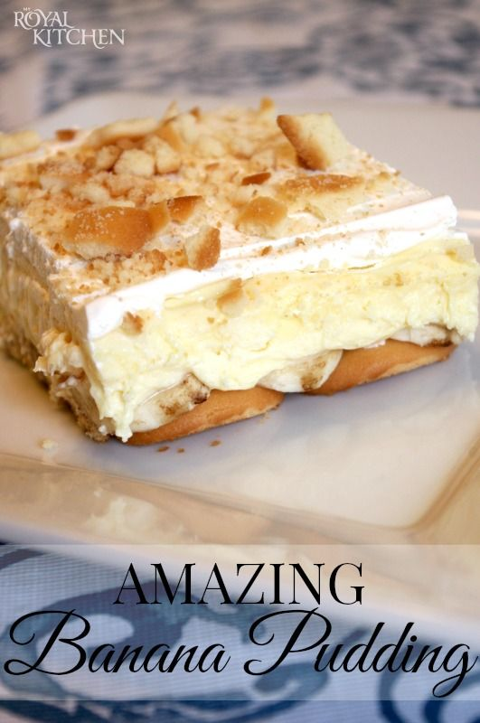 Amazing Banana Pudding ~ The cream cheese adds an extra decadence and creaminess to this pudding and the layer of sliced bananas over the vanilla wafers keeps them from getting too soggy!
