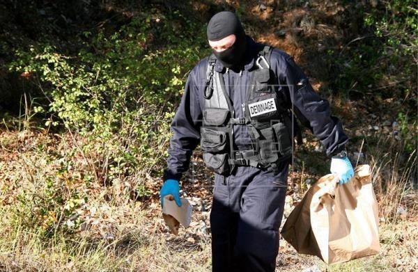 Descubren en Francia escondite de armas ETA