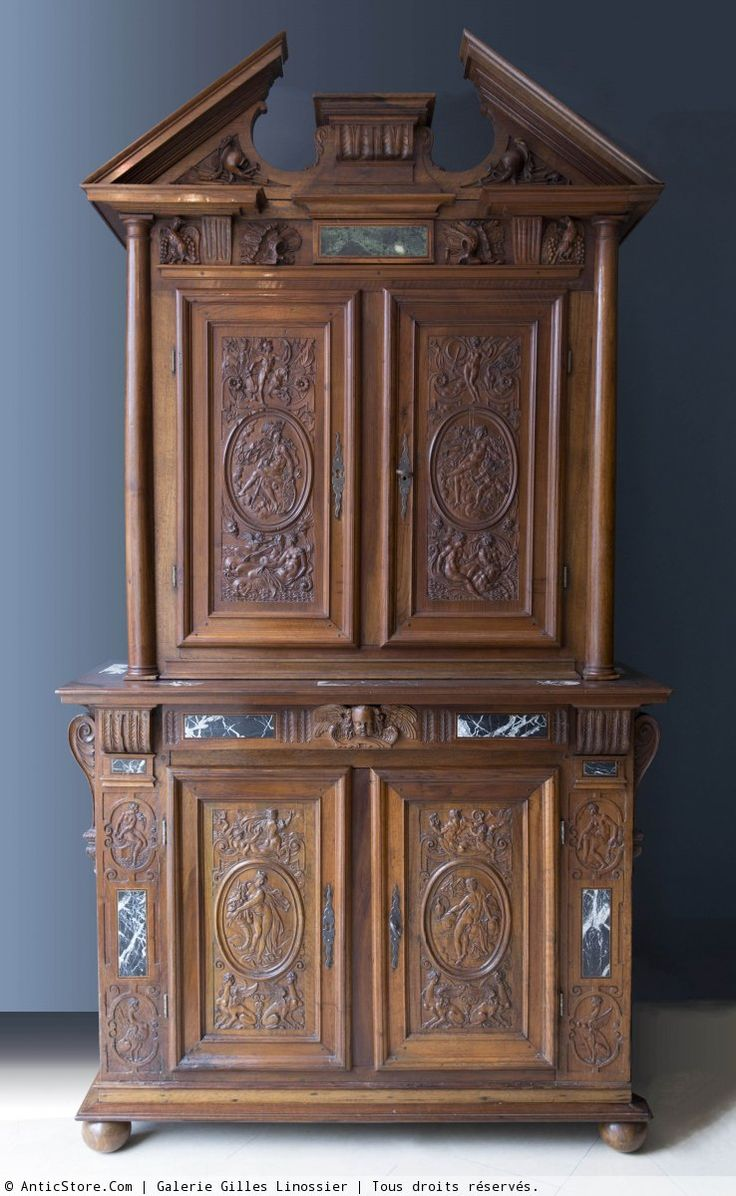 armoire deux corps en noyer d poque renaissance anticstore antiquit s 17 me si cle r f. Black Bedroom Furniture Sets. Home Design Ideas