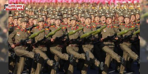 Başkent boşaltılıyor! Japonya'dan ABD'ye savaş desteği: Kuzey Kore lideri Kim Jong-un'un başkent Pyongyang'ın derhal tahliye edilmesi ve şavaş pozisyonuna girilmesi emri verdiği iddia edilirken, ABD'nin bir donanma grubunu Kore yarımadasına göndermesinin ardından, Japonya'nın da kimi savaş gemilerini bu donanma grubuna katılmak üzere hazırladığı duyuruldu.