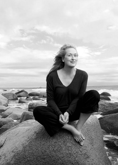 Great photo of Meryl Streep by Annie Leibovitz - what a phenomenal actress and my favourite one too.