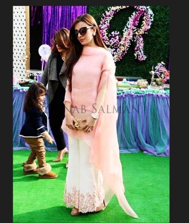 Pakistani Fashion Trends 2016: It's a Wrap This Season