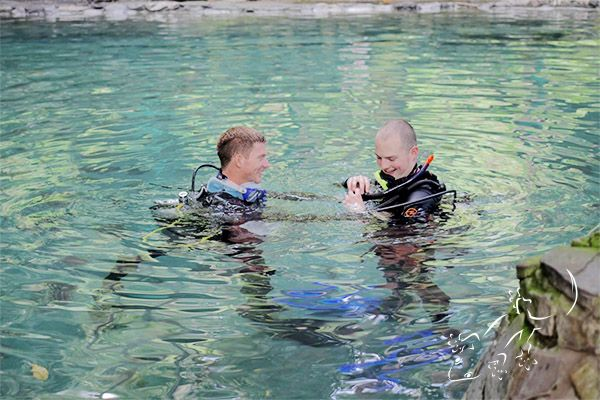 Our confined water sessions are done in one of the hot springs, a nice and warm pool environment to learn all the needed skills before going to the open water.