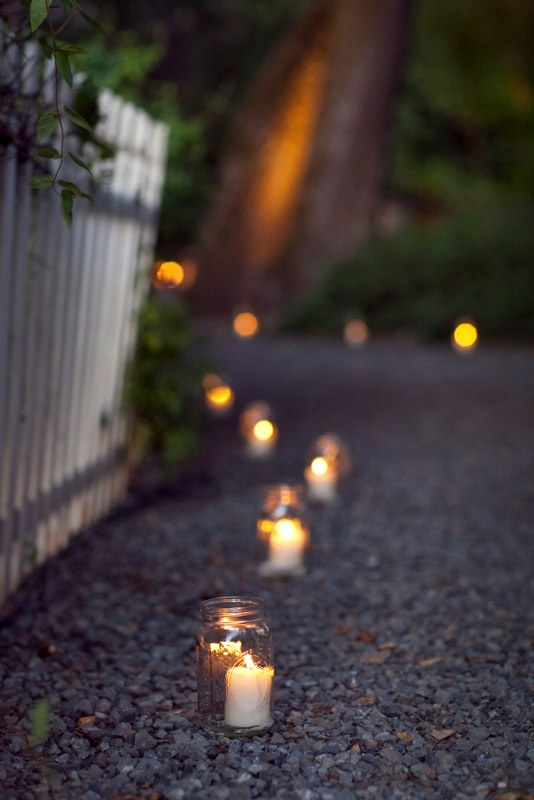 candles in jars...: Ideas, Outdoor Candles, Candlelit Paths, Gardens Paths, Parties, Candles Paths, Teas Lights, Pathways, Mason Jars Candles
