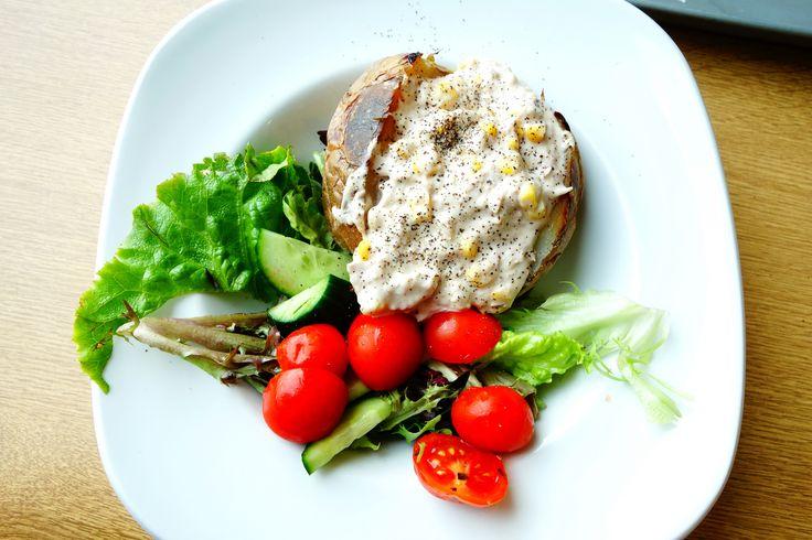 https://flic.kr/p/HGLeGd   Sainsbury's Cafe   Jacket potato with tuna and sweetcorn mayo, £3.65.