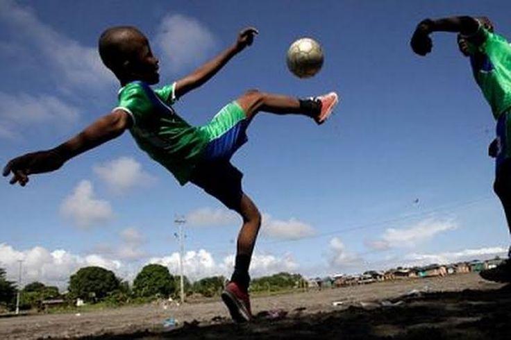 ¿Cómo se juega al futbol en Palestina, Irak o en los campos de refugiados?