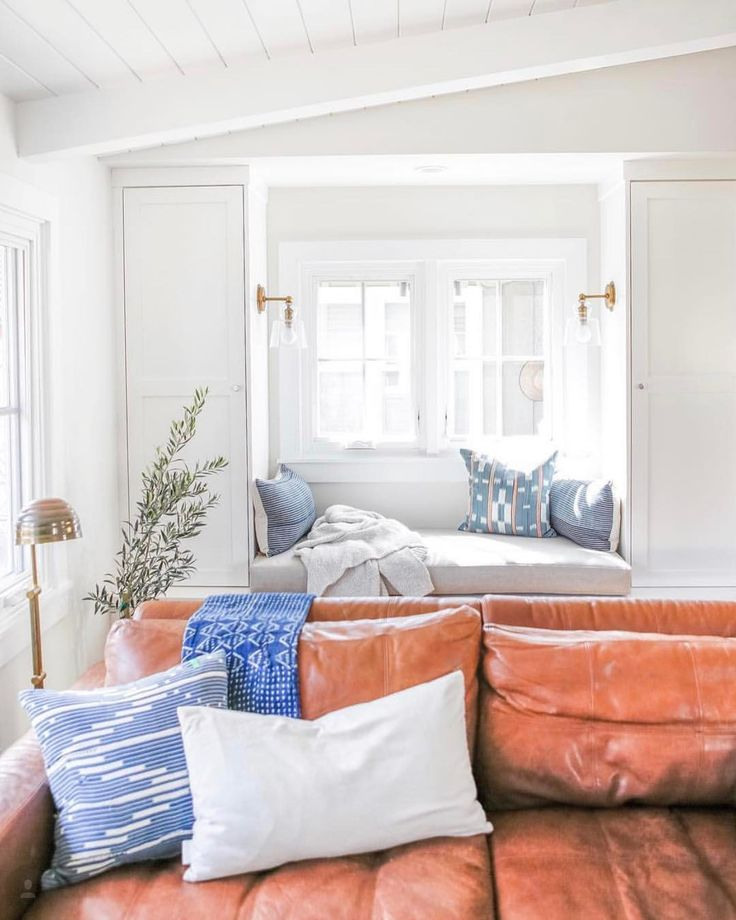 Best Window Seats Reading Nooks Images On Pinterest - Beautiful windows and love the window seat with blue white cushions