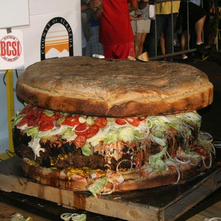 World's Biggest Burger Weighs 777 Pounds