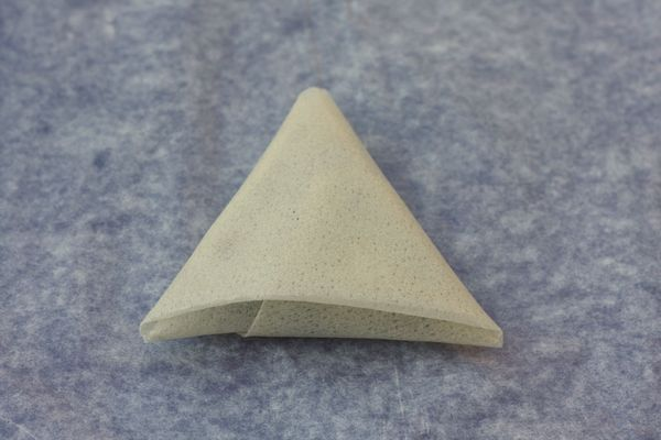 Tutoriel pour plier des feuilles de bricks en triangle - Chez Requia, Cuisine et confidences ...