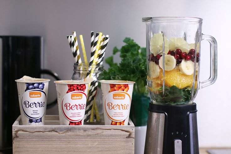 After the holidays it's a good idea to eat healthy smoothies. We mixed kale, orange, banana, cranberries and lemon slices with lingonberry-cranberry Berrie. Yummy!   Read more about Berrie: http://www.robertsberrie.com/