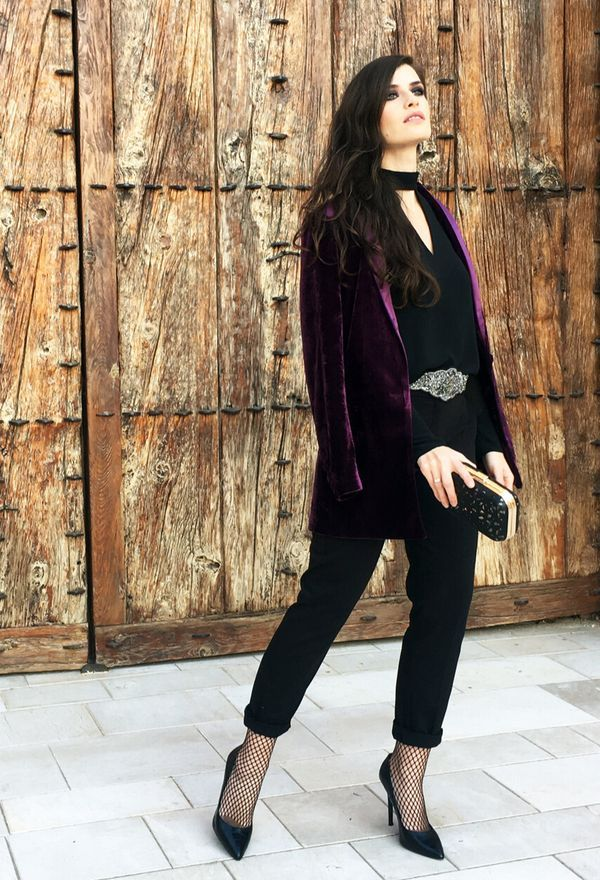 Look by @marikowskaya with #mango #zara #party #nochevieja #heels #pants #totalblack #streetstyle #tights #blazers #oysho #clutch #shirts #añonuevo #stilettos #fashion #purple #outfit #belts #biombo13 #mas34 #fashionblogger #s #blackpants #blackheels #blacktshirts #blackbags #violetblazers #rejilla #2017 #velvetisin #shinyhollidays.