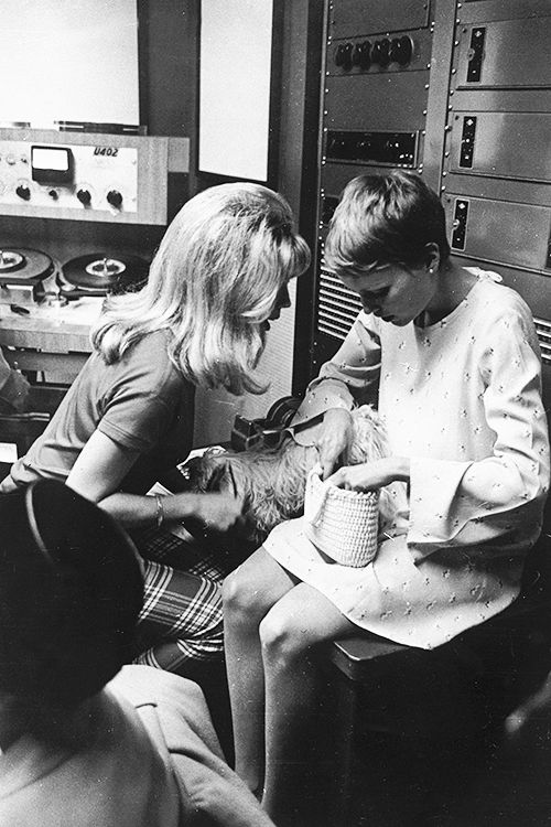 Nancy Sinatra and Mia Farrow.