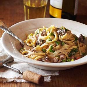 pasta with morels, ramps and peasTasty Recipe, Midwest Living, Spring Pasta, Hams I, Mushrooms Recipe, Mushrooms Pasta, Wild Mushrooms, Cream Sauces, Dinner Tonight