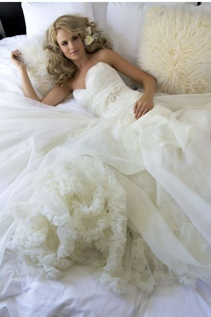 Amy Michaelson One of my new fav bridal designers !