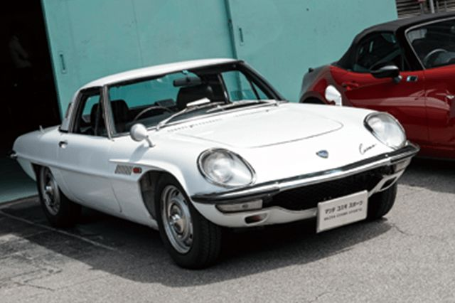 Nostalgic2days特別展示車両 1967年式マツダコスモスポーツレストア
